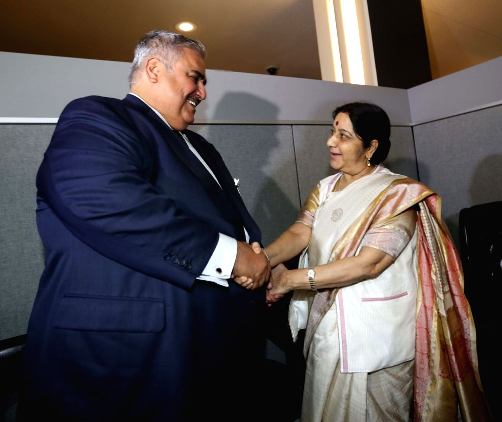 New York: External Affairs Minister Sushma Swaraj meets Bahrain Foreign Minister Shaikh Khalid bin Ahmed bin Mohammed Al Khalifa on the sidelines of the annual UN General Assembly (UNGA) session at ... - Sushma Swaraj