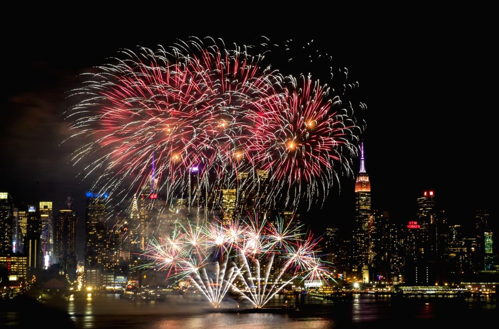 NEW YORK, Feb. 15, 2018 - Photo taken on Feb. 14, 2018 from Weehawken of New Jersey, the United States, shows the fireworks over Manhattan of New York City celebrating the Chinese Lunar New Year.