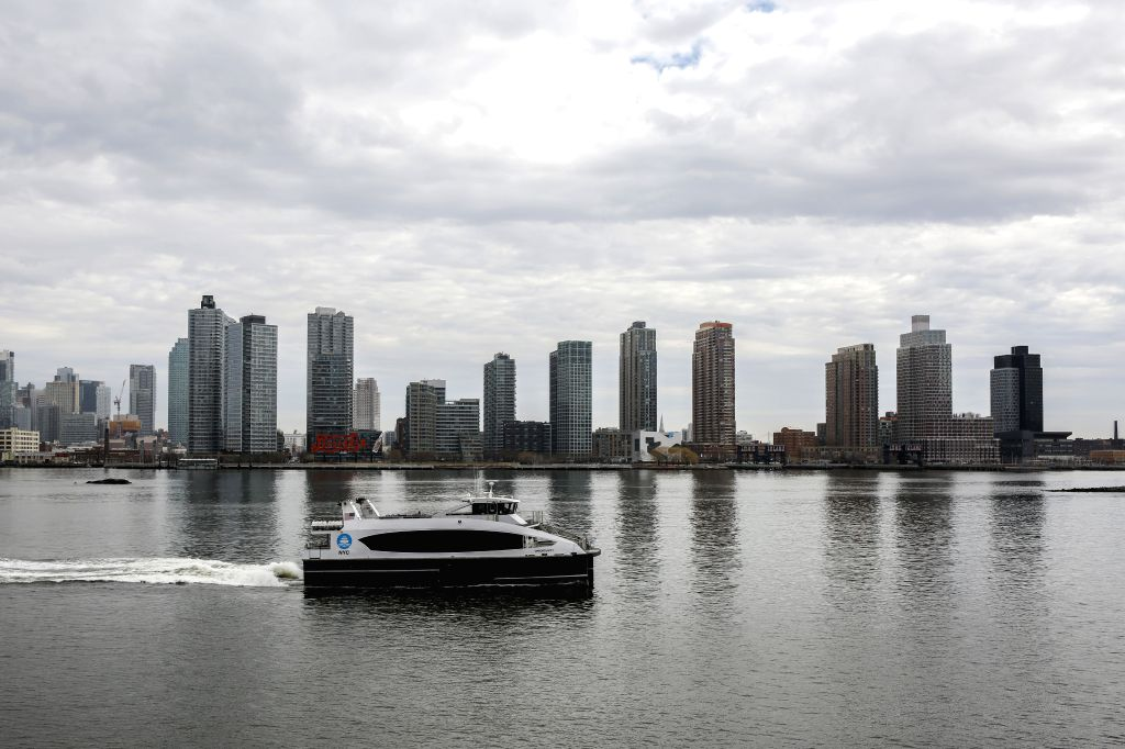 NEW YORK, Feb. 15, 2019 - The photo taken on Feb. 15, 2019 shows a view of the Long Island City along the East River, in Queens, New York, the United States. U.S. e-commerce giant Amazon canceled its ...