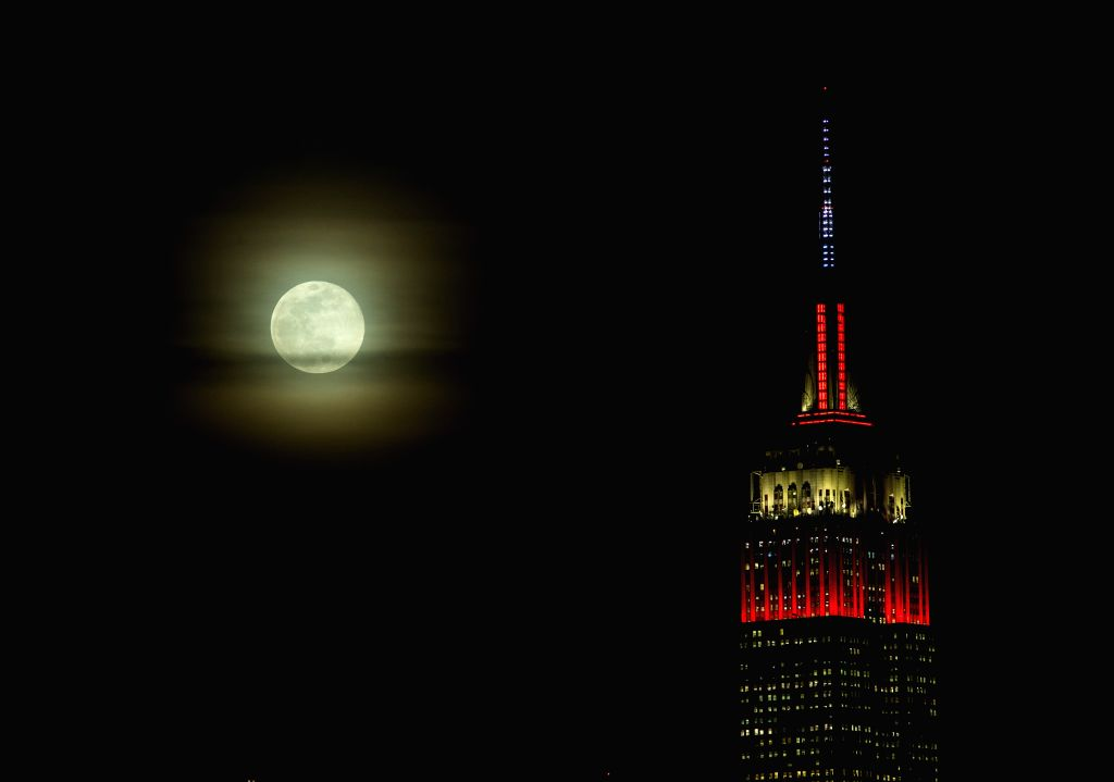 NEW YORK, Feb. 20, 2019 - A full moon is seen in the sky of Manhattan in New York, the United States, Feb. 19, 2019.