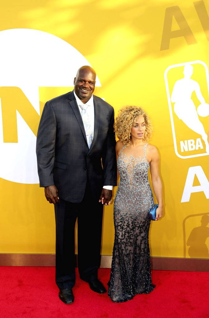 NEW YORK, June 27, 2017 - Former NBA player Shaquille O'Neal (L) poses for photo on the red carpet at the 2017 NBA Awards in New York, the United States, June 26, 2017.