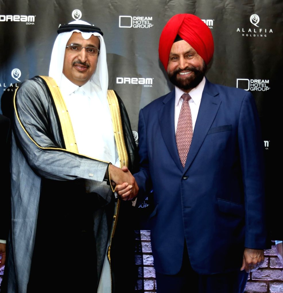 New York: NRI businessman Sant Singh Chatwal with Sheikh Sultan Bin Jassim Bin Mohammed Al-Thani during a programme organised to ink  a deal worth 300 million regarding development of a hotel in ... - Sant Singh Chatwal