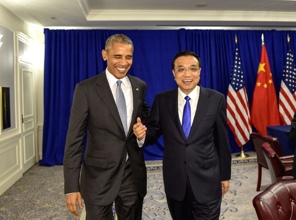 NEW YORK, Sept. 19, 2016 - Chinese Premier Li Keqiang (R) meets with U.S. President Barack Obama in New York Sept. 19, 2016.