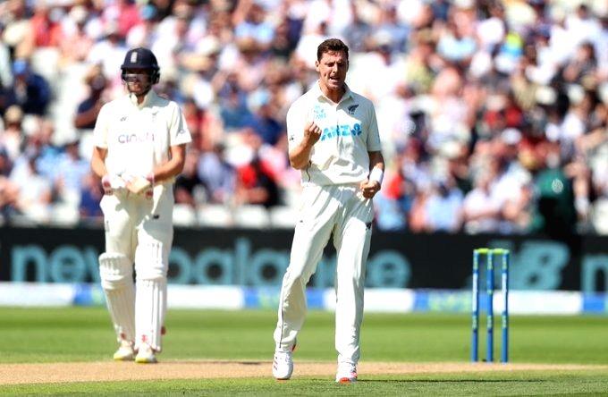 New Zealand gain 85-run lead against England.(credit  : ICC)
