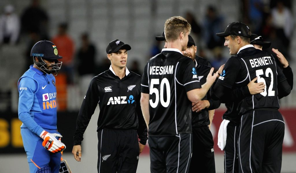 New Zealand's players celebrates the wicket of Ravindra Jadeja during the 2nd ODI of the three-match series between India and New Zealand at the Eden Park in Auckland,New Zealand on Feb 8, ... - Ravindra Jadeja