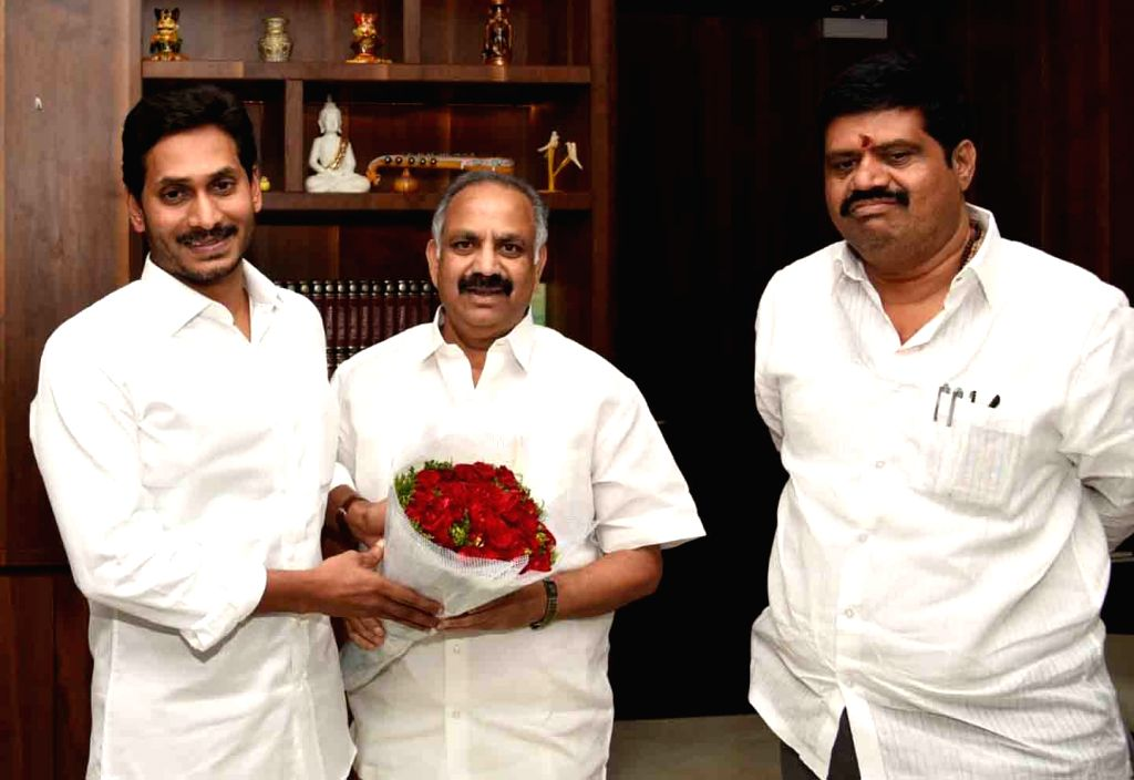 Newly appointed Chairman of the Visakhapatnam Metro Region Development Authority Dronara Raju Srinivas meets Andhra Pradesh Chief Minister Y.S. Jagan Mohan Reddy, in Amaravati on July 17, ... - Y.
