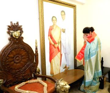Newly inducted Shiv Sena member & actress Urmila Matondkar pays her respects before a portrait of the founder-patriarch of Shiv Sena, the Balasaheb Thackeray and Meenatai Thackeray at the ... - Urmila Matondkar
