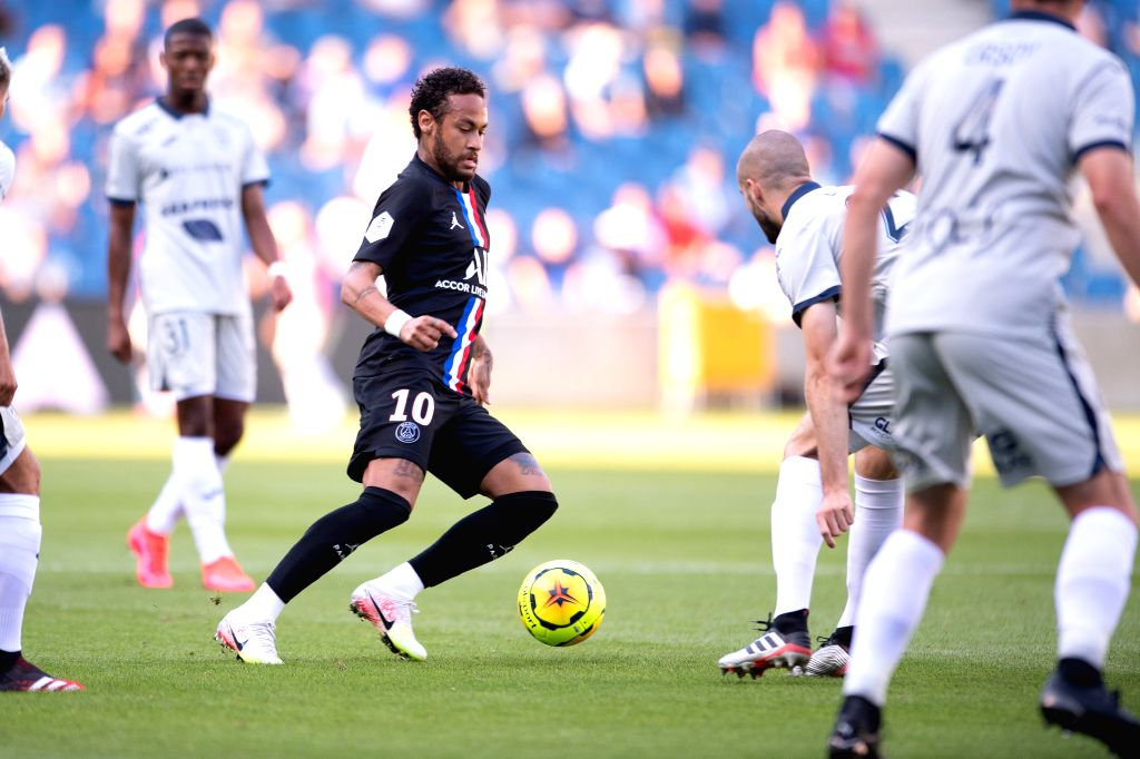 Neymar (2nd L) of Paris Saint Germain in action during a friendly football match between Paris Saint Germain and Le Havre at the Ocean Stadium in Le Havre, France, ...