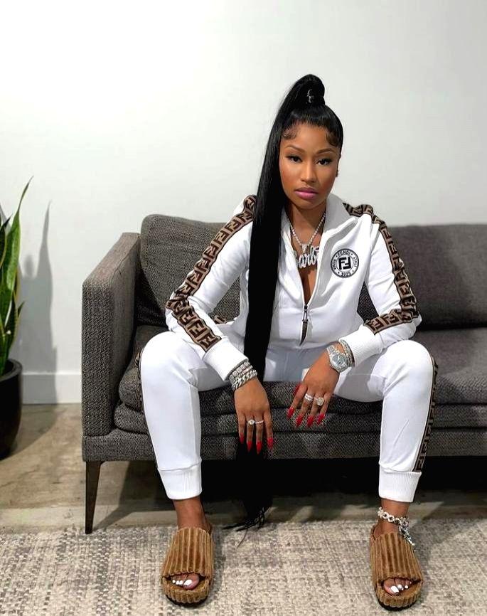 Nicki Minaj, son twin in new photos on social media