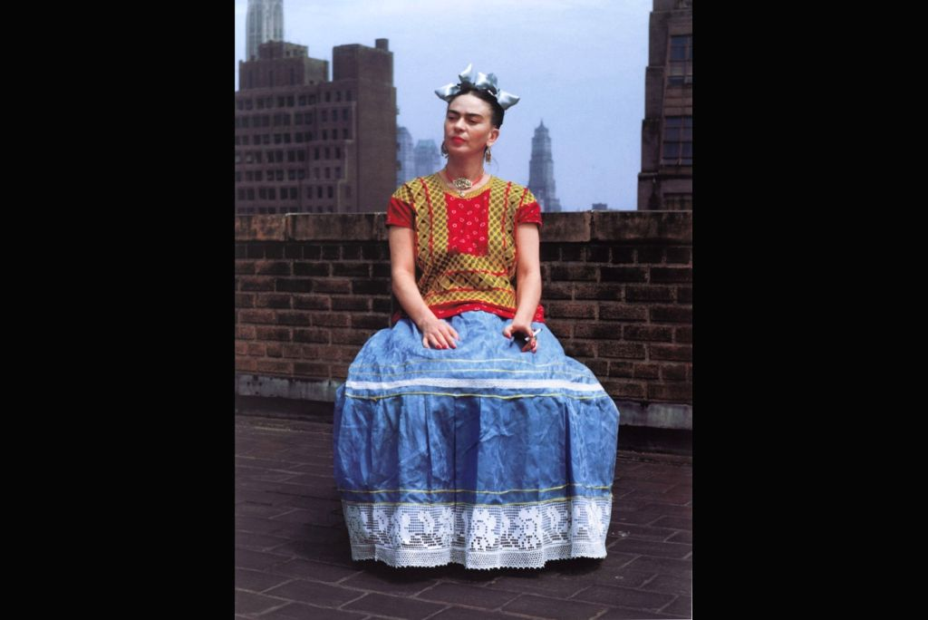 Nickolas Muray (American, born Hungary, 1892-1965). Frida in New York, 1946; printed 2006. Carbon pigment print, Brooklyn Museum; Emily Winthrop Miles Fund, 2010.80. Copyright: Nickolas Muray Photo Archives. (Photo: Brooklyn Museum)