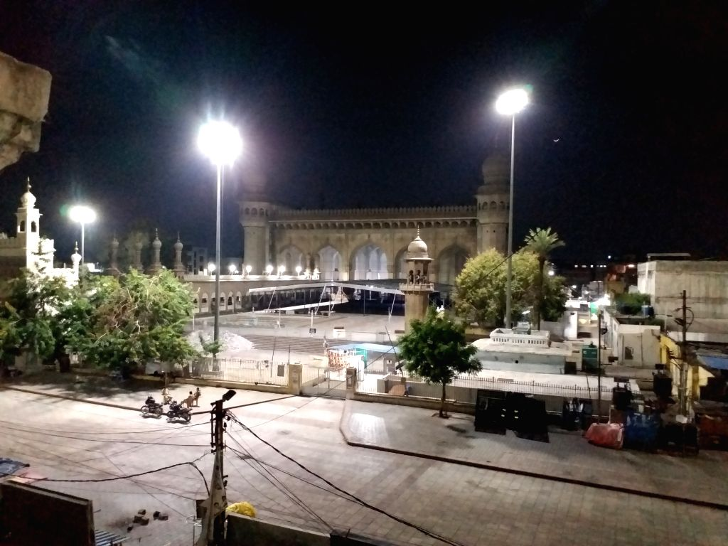 Night view of the desrted Hyderabad on Day 2 of the 21-day nationwide lockdown imposed by the Narendra Modi government over the coronavirus pandemic; on March 26, 2020. - Narendra Modi