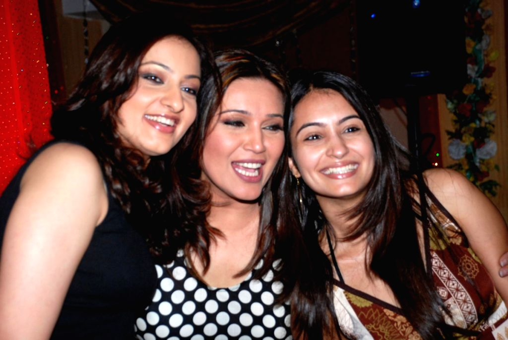 Niki Aneja at Ajay Sinha's birthday bash at Future Studio, in Mumbai.