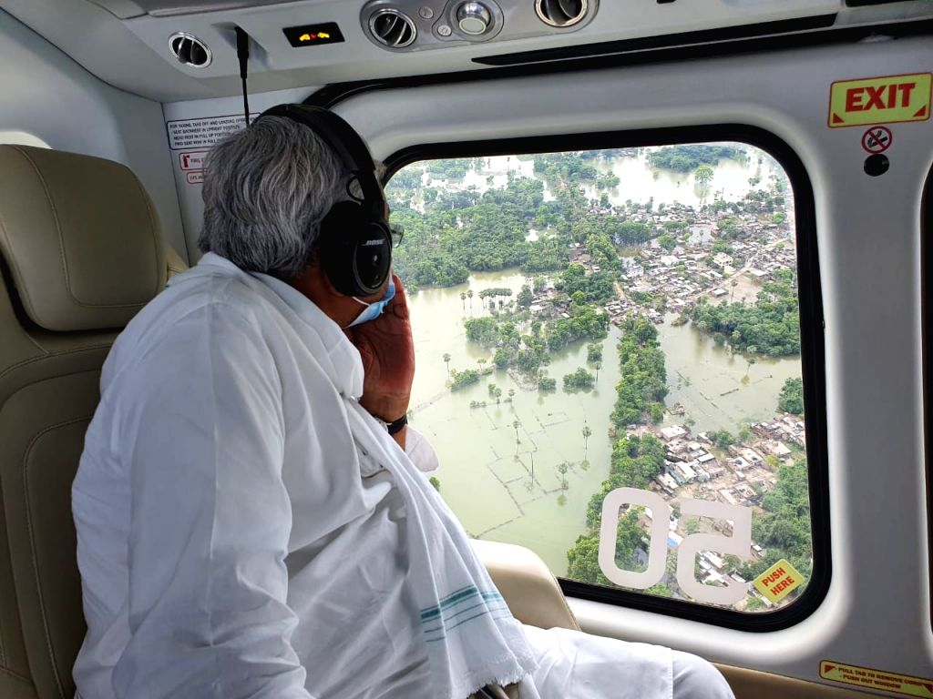 Nitish conducts aerial survey of flood affected areas, gives instructions to officials.