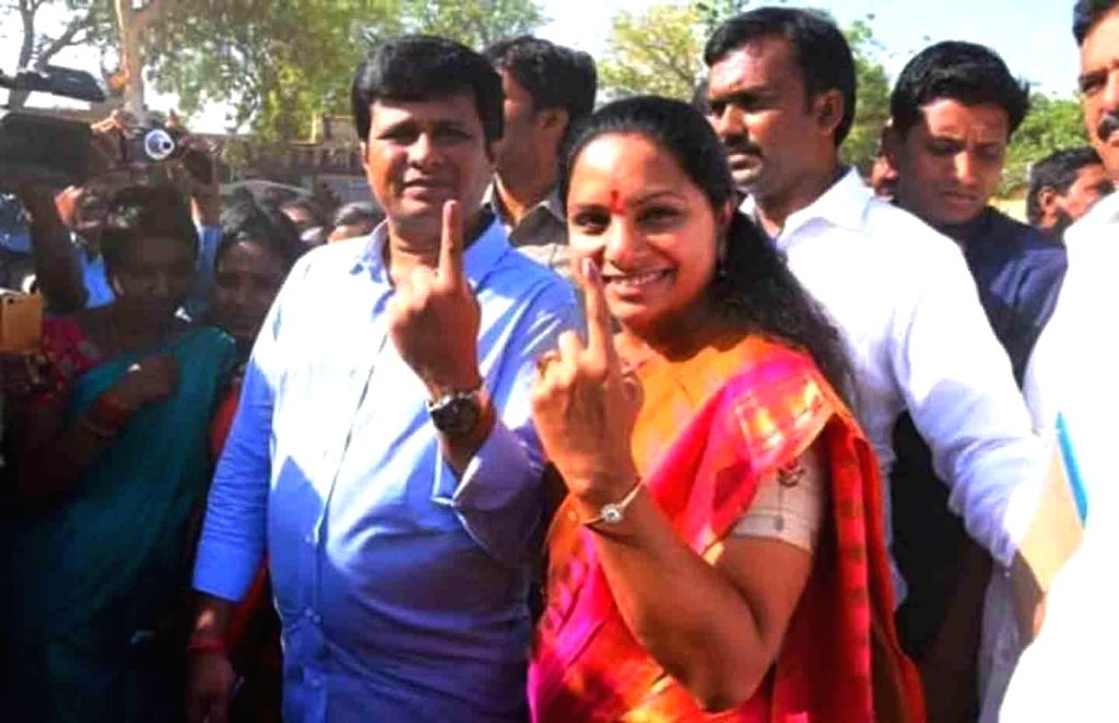 Nizamabad: TRS leader K. Kavitha shows her inked finger after casting her vote for the first phase of 2019 Lok Sabha elections in Telangana's Nizamabad, on April 11, 2019. (Photo: IANS)