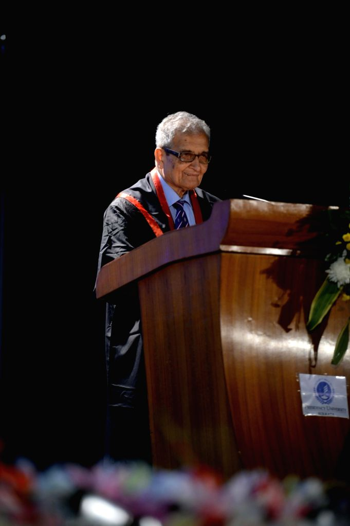 Nobel Laureate Amartya Sen addresses at the Special Convocation of the  Presidency University where was conferred D.Litt. (Honoris Causa), in Kolkata, on Jan 20, 2016.
