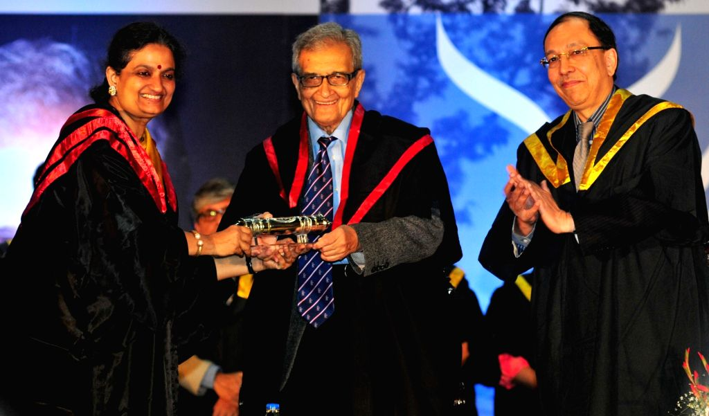 Nobel Laureate Amartya Sen with Presidency University Vice-Chancellor Anuradha Lohia and the Chairman of Presidency mentor group Sugata Bose at the Special Convocation of the  Presidency ... - Sugata Bose