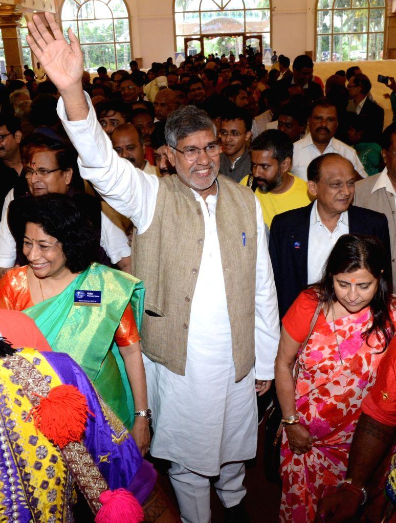 Nobel Laureate Kailash Satyarthi and his wife Sumedha during the Rotary Club ICGF Youth Service programme in Bengaluru on Sept 17, 2017. - Kailash Satyarthi