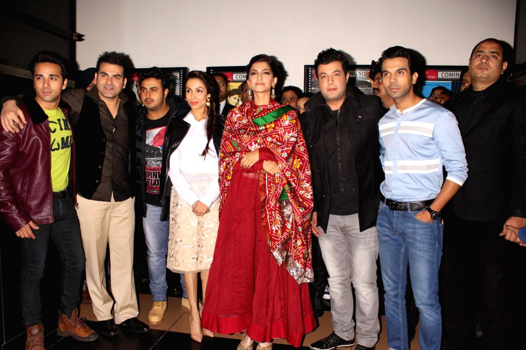Actors Sonam Kapoor, Arbaaz Khan, Malaika Arora Khan, Rajkumar Rao, Pulkit Samrat, Varun Sharma and filmmaker Abhishek Dogra during a press conference to promote their upcoming film `Dolly Ki . - Sonam Kapoor, Arbaaz Khan, Malaika Arora Khan, Rajkumar Rao, Pulkit Samrat and Varun Sharma