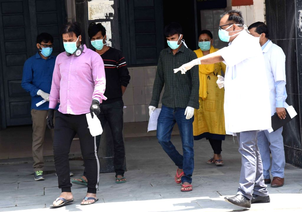Noida, April 12 (IANS) With strict measures and complete lockdown, Noida seems to have controlled the spread of coronavirus. At least 13 corona patients were discharged and one was sent home, health officials said.	 (File Photo: IANS)