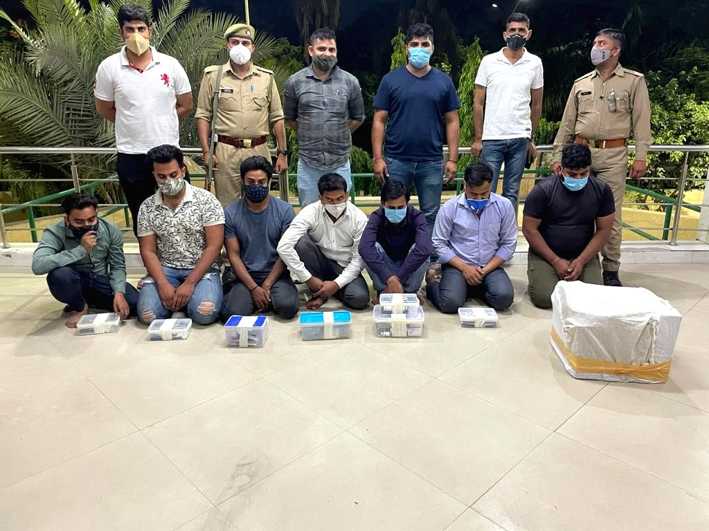 Noida police busted gang for black marketing of Remedesivir injection.