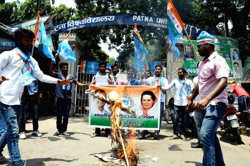 "NSUI activists stage a demonstration after an Army soldier and a BSF trooper were killed and ""mutilated"" on the LoC in Jammu and Kashmir by Pakistani forces, in Patna on May 4, 2017."
