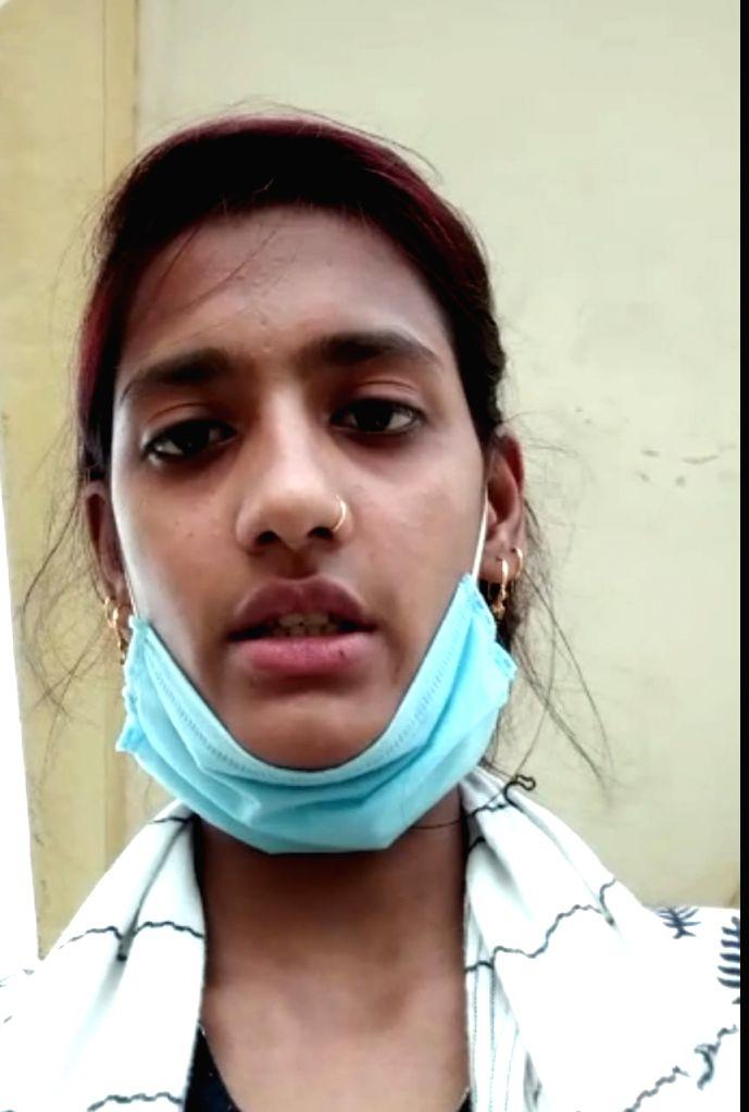 Nursing student jumps off UP medical college building, injured