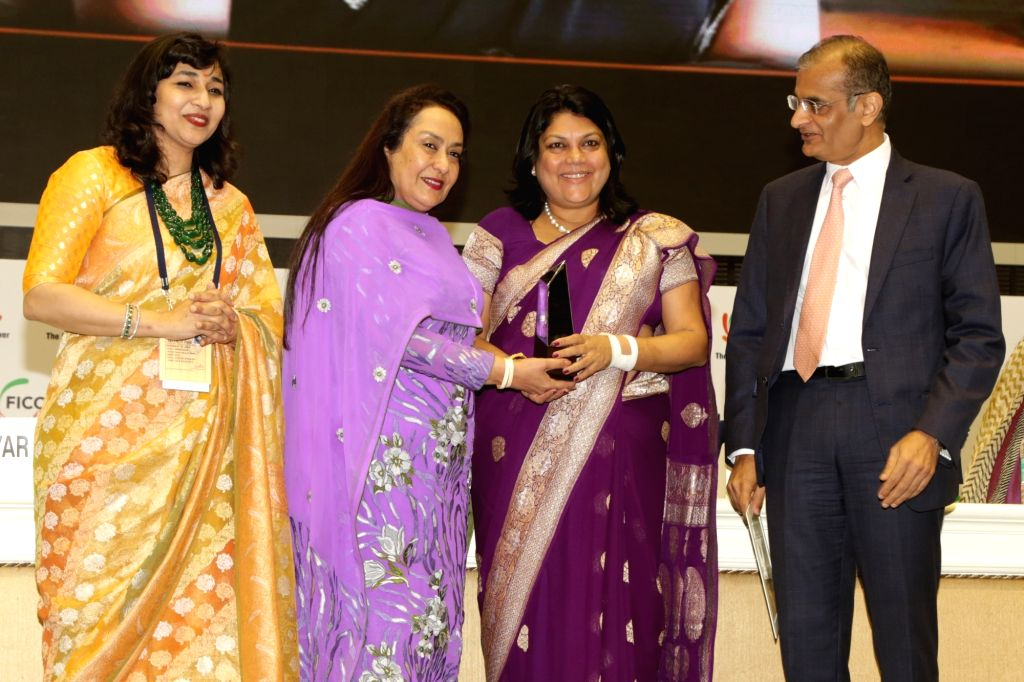 Nykaa Founder and CEO Falguni Nayar receives the FLO Icon Award during 34th Annual Session of FICCI Ladies Organisation (FLO) at Vigyan Bhavan in New Delhi on April 5, 2018.