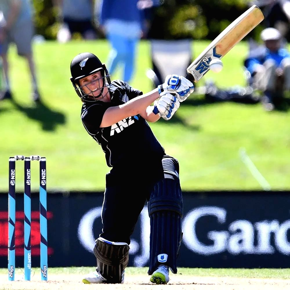 NZ all-rounder Anna Peterson retires from international cricket.