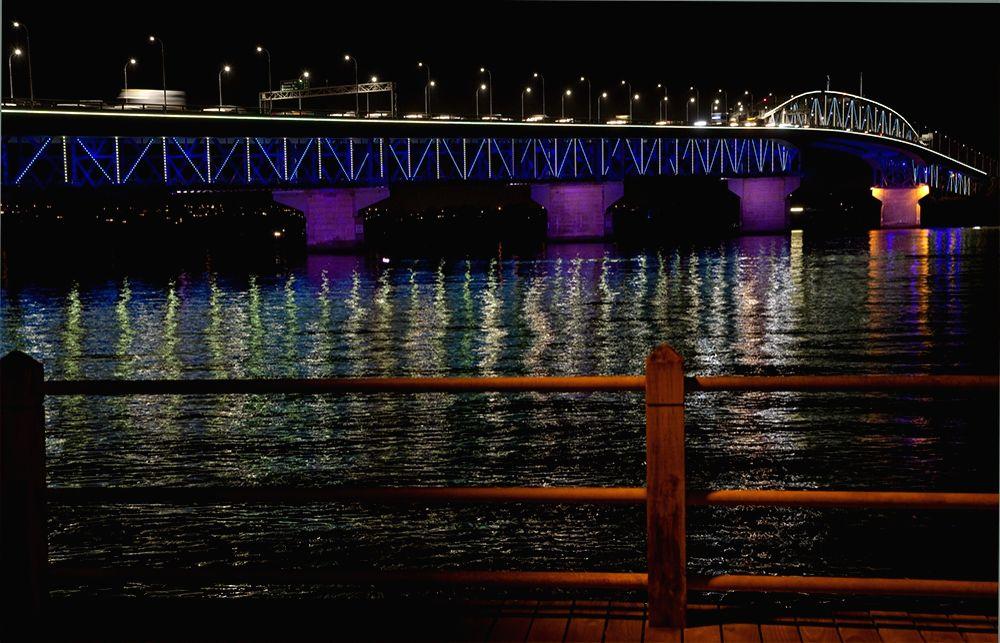 NZ cancels cycle, walking bridge across Auckland Harbour. credit: https://www.nzta.govt.nz/projects/auckland-harbour-bridge/