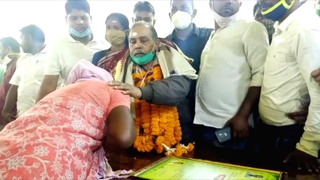 Odisha man returns home after 20 years in Pak jail.