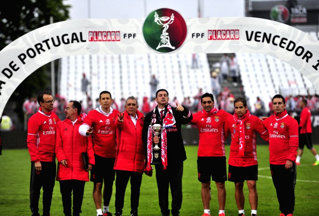 OEIRAS, May 29, 2017 - Benfica's coach Rui Vitoria (4th R) and his team members celebrate after the Portugal's Cup final football match between SL Benfica and Vitoria SC Guimaraes in Oeiras, ...