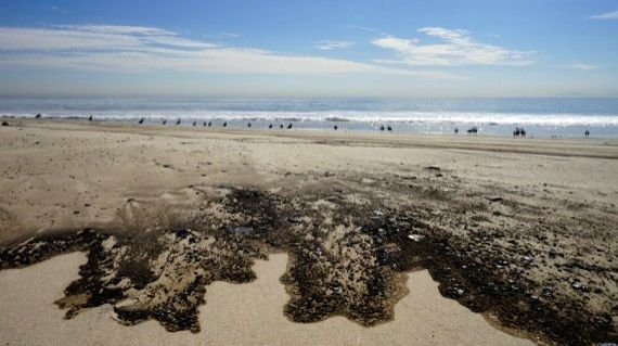 Offshore drilling urged to stop after mass oil spill off California