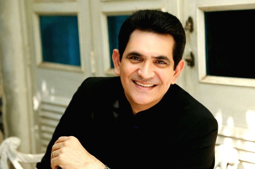 Omung Kumar paints for a cause. - Omung Kumar