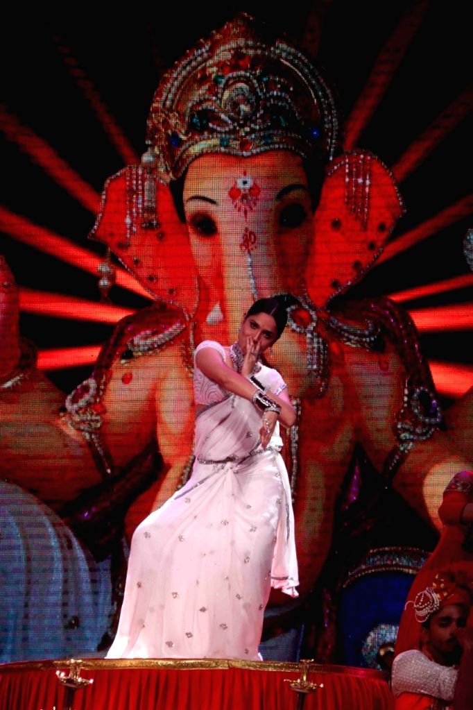 On Ankita Lokhande performing for a Zee TV show.