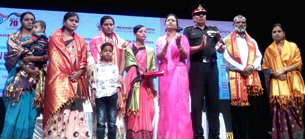 On Independence Day, 2017, the Shanmukhananda Fine Arts Sabha honoured 5 war widows and one war hero's father from Maharashtra at the hands of Lt.Gen Vishwambhar Singh, General Officer Commanding ... - Vishwambhar Singh