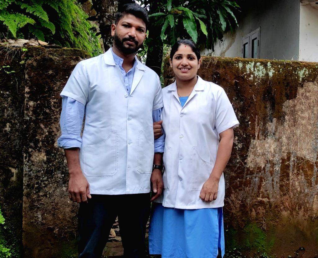 On Int'l Nurses Day, a Kerala male nurse is cynosure of all eyes.
