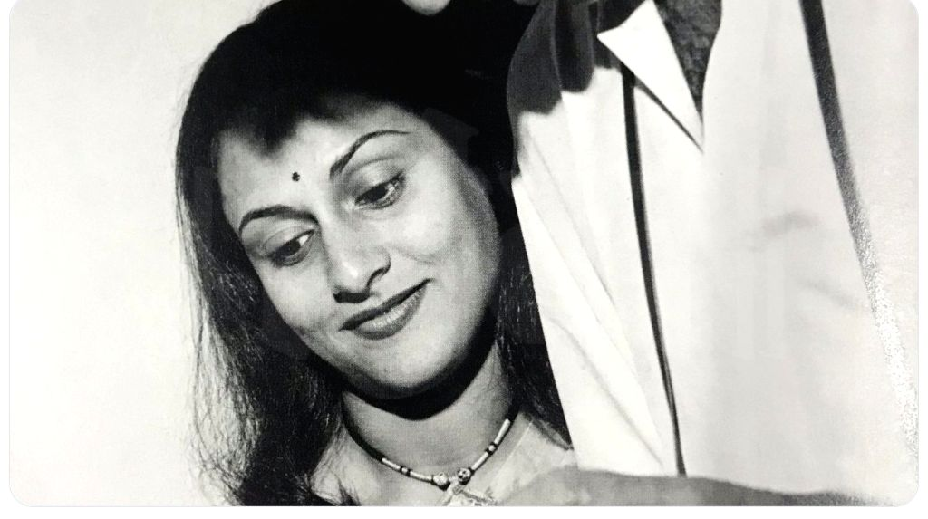 """On the occasion of Karwa Chauth on Thursday, megastar Amitabh Bachchan shared an unseen photograph of his wife and actress Jaya Bachchan, cropping his own picture from the frame.""""the better half .. !! quite obviously the other half is irrelevant  ..  - Jaya Bachchan and Amitabh Bachchan"""