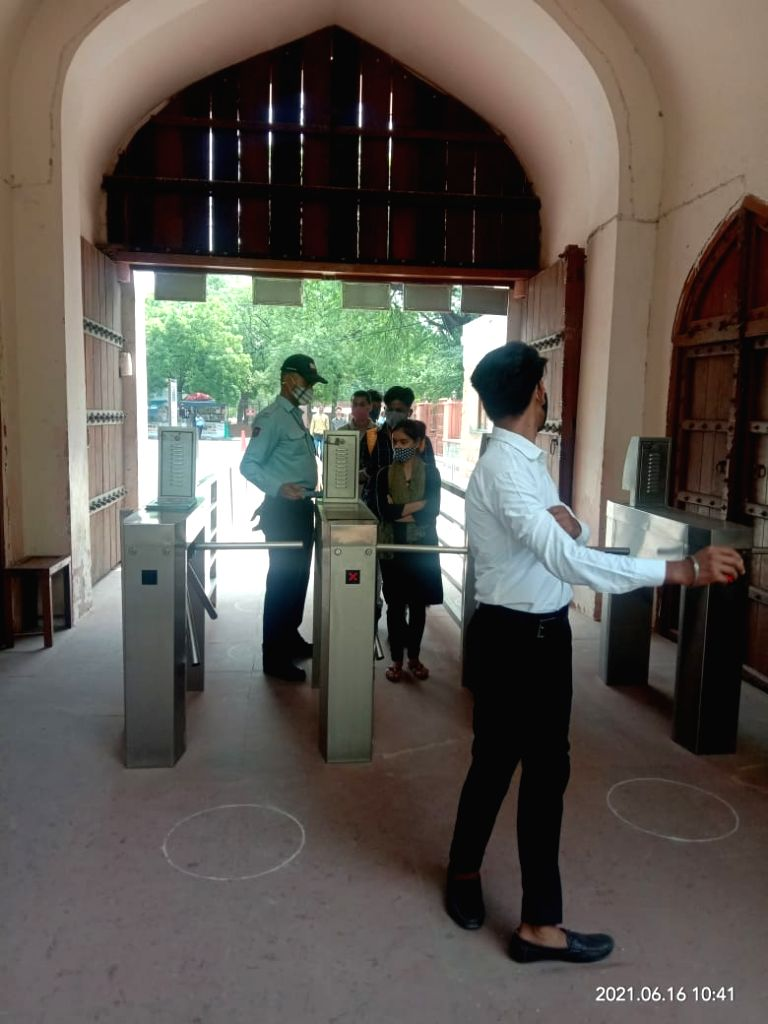 On the very first day of its opening, tourists arrived to see Qutub Minar, Red Fort.