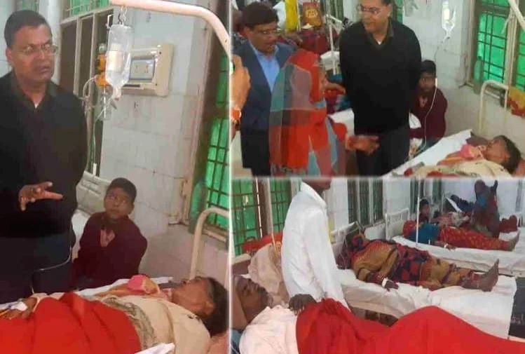 On Wednesday, 32 villagers fell sick after drinking contaminated water from a government hand pump in Palak village of Sadar tehsil area of Mahoba district in Uttar Pradesh.