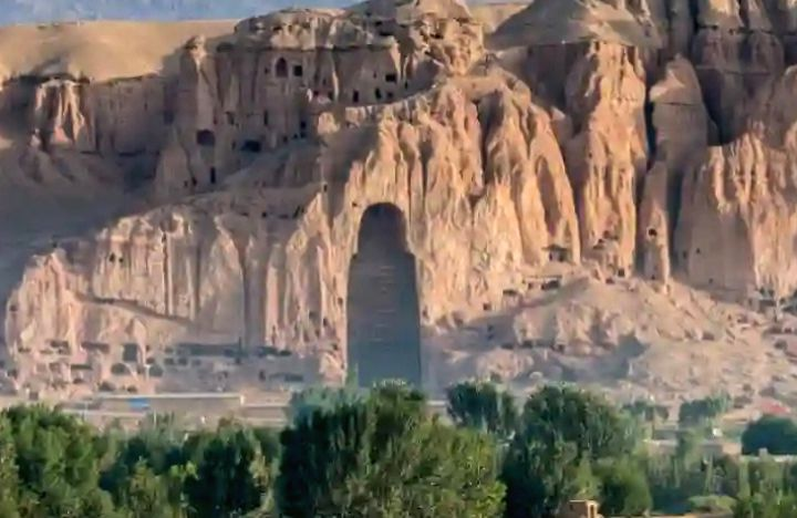 Once destroyers of Bamiyan Buddhas, brazen Taliban now want to protect relics in the province(indianarrative)
