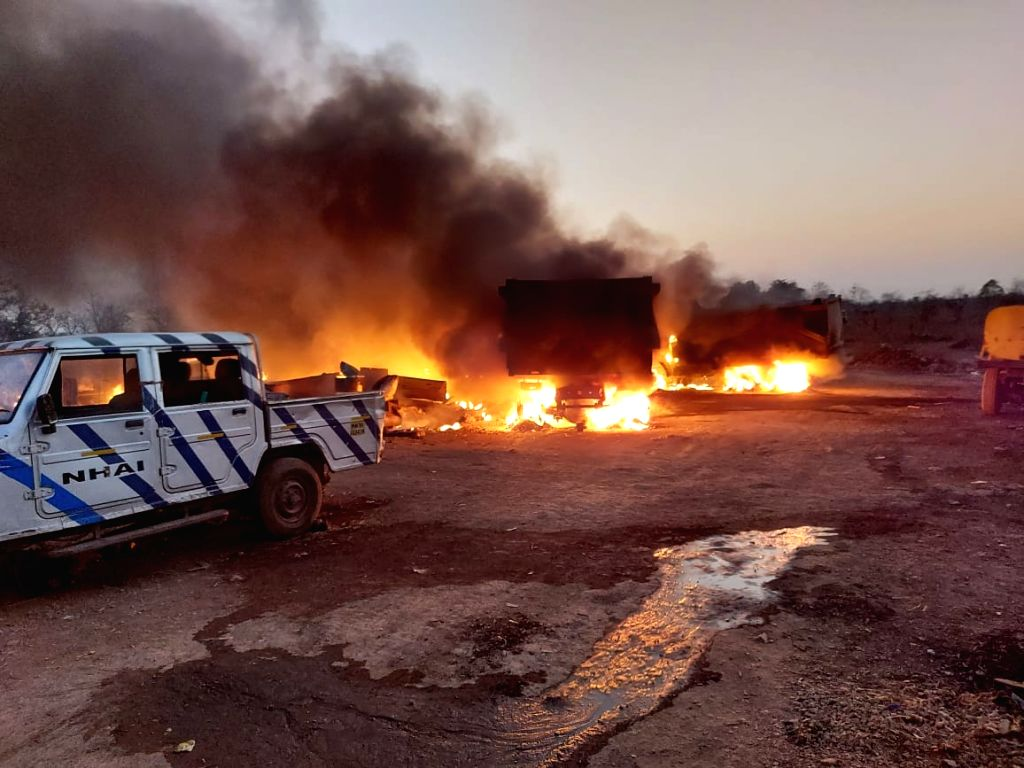 One dead after fire breaks out at Penganga lift irrigation project, several vehicles burnt on Monday 29th March, 2021.
