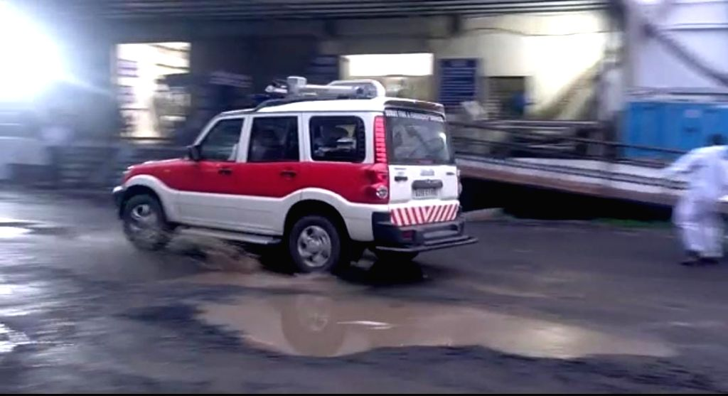 One injured in an oxygen cylinder blast in Guj hospital.