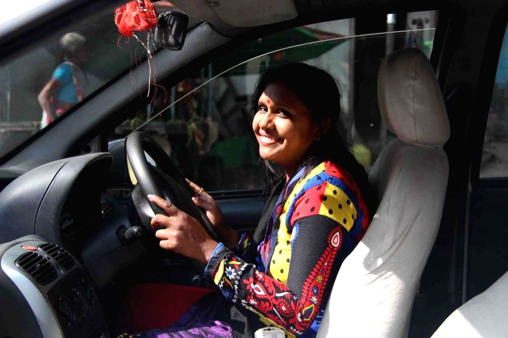 One of Sakha's first drivers in Indore in November 2015. (Photo Source: Azad Foundation/Sakha Consulting Wings)