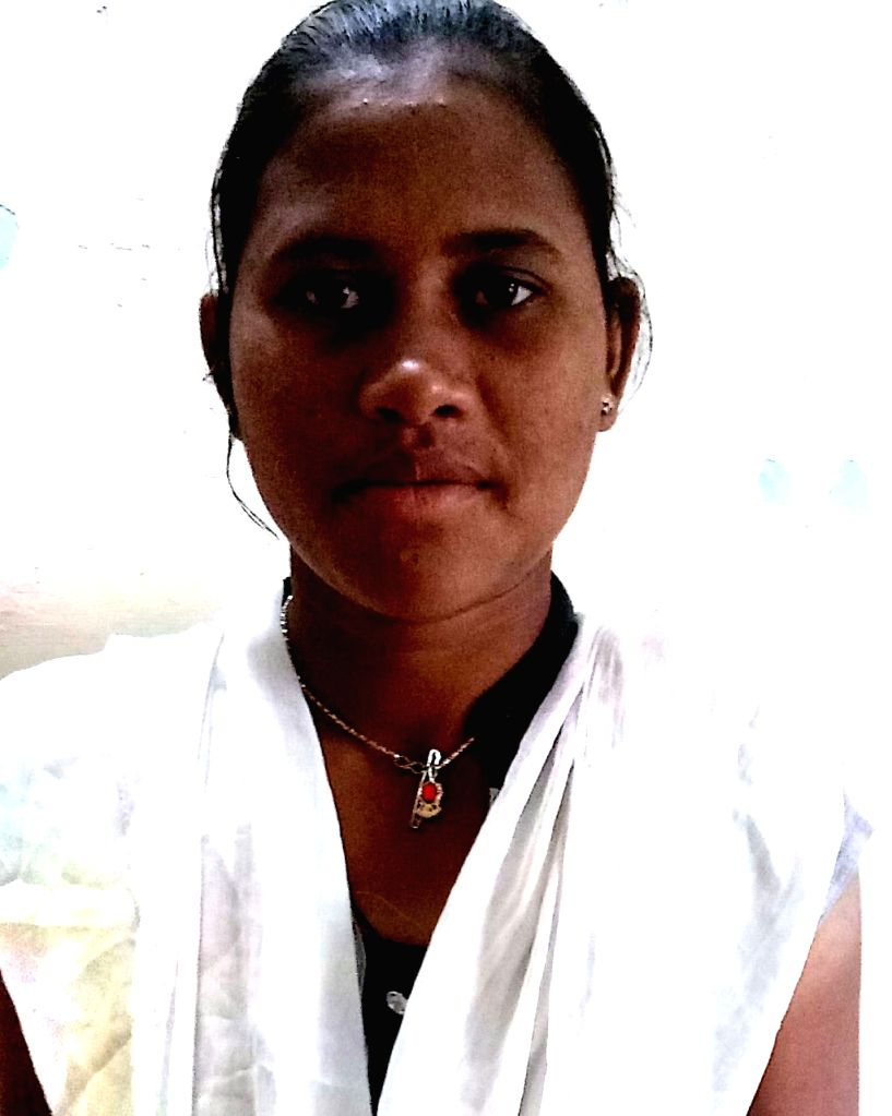 : One of the two dreaded women Maoist cadres Shanti Masu Mattami, alias Jaya, 24, with a reward of Rs.400,000 on her head who surrendered before the security forces in Gadchiroli, Maharashtra on Feb ...