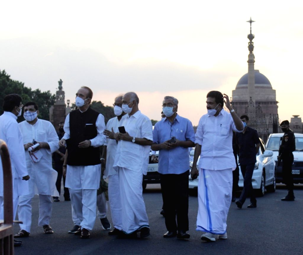 Opposition leaders - Congress MP Gulam Nabi Azad and Ahmed Patel, AAP MP Sanjay Singh, Samajwadi Party MP prof. Ram Gopal Yadav and others address the media after meeting President Ram ... - Ahmed Patel, Sanjay Singh, Gopal Yadav and Nath Kovind