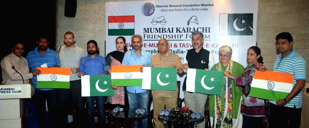 ORF chairman Sudheendra Kulkarni along with Pakistani photo journalists during a Mumbai Karachi Friendship Forum in Mumbai, on June 28, 2016. - Sudheendra Kulkarni