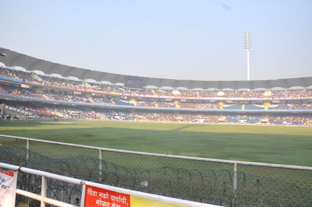Over 150,000 people took part in a medical camp organised by Dr. Shri Nanasaheb Dharmadhikari Prathisthan in the DY Patil Stadium, Neru, Thane on Dec. 20, 2013. After it ended, Guinness Records noted