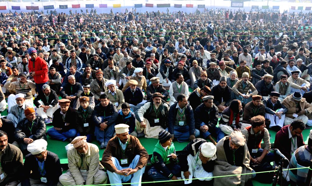 Pak lawyers' body asks its Ahmadiyya members to renounce their faith