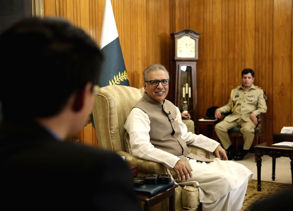 Pak Prez, FM test COVID-19 negative after returning from China