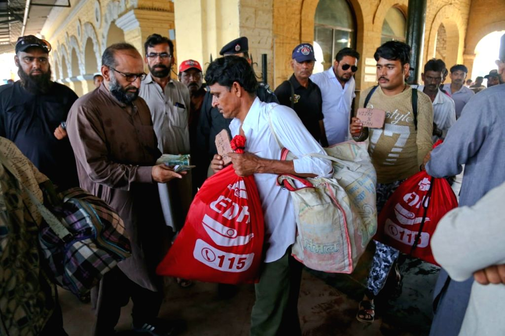 Pakistan today released 55 Indian fishermen and 5 civilian prisoners. Edhi Foundation is taking them to Wagah from there they will enter India tomorrow. (Photo Courtesy: Edhi Foundation)